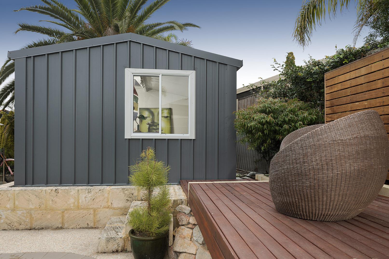 outdoor studio room